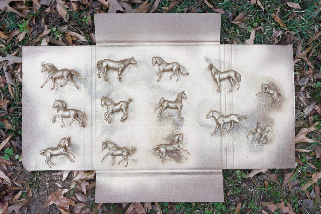 Glitter on horses figurines